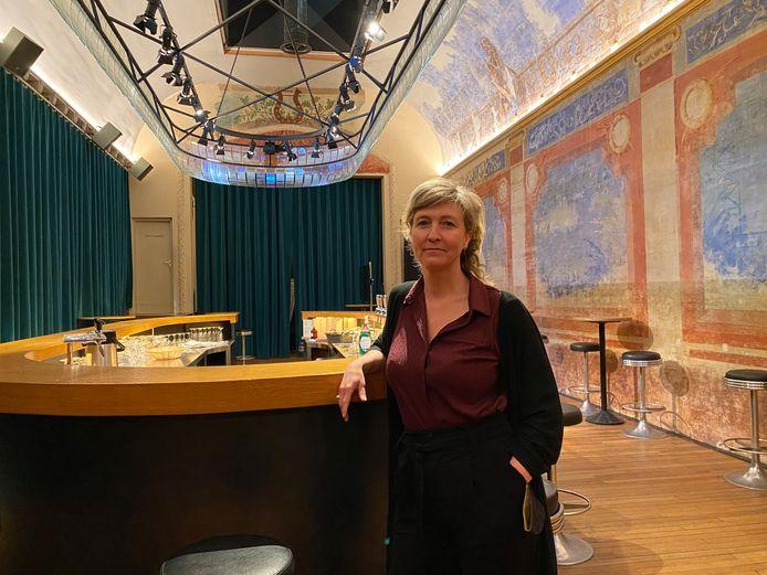 Directeur Nathalie De Neve in de Minard.