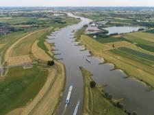 Atlas van de IJssel: een reis door de tijd langs een verbindende rivier