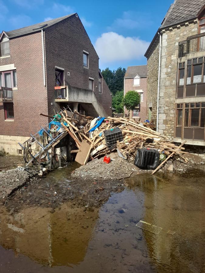 De schade in het dorpje Limbourg is enorm.