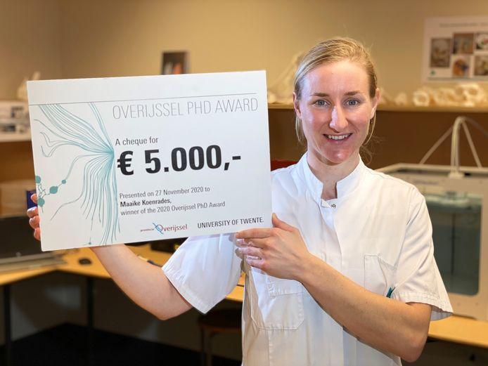 Maaike Koenrades wint de Overijssel PHD-award.
