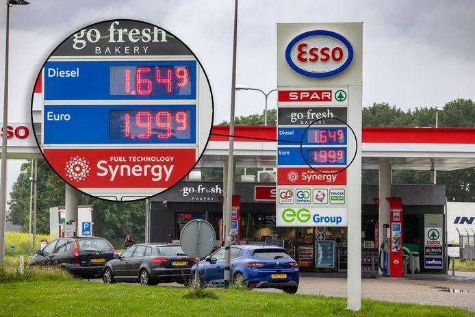 Wel mensen die stoppen voor koffie, nauwelijks mensen die tanken. Dat is dinsdagmorgen het beeld bij dit 'dure' benzinestation aan de A6 bij de Ketelbrug.