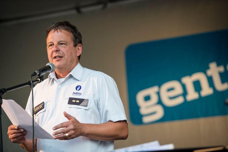Manuel Mugica Gonzalez als woordvoerder van de Gentse lokale politie.