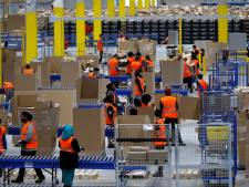 'Werknemers Amazon plassen in flessen'