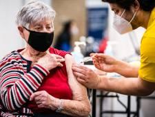 'Twee uur reizen voor vaccinatie? Zie het als een uitje'