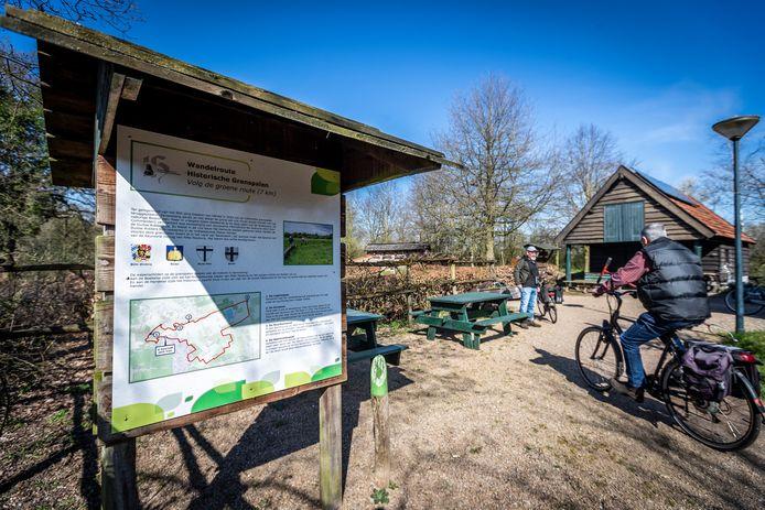 Het begin en eindpunt van de Grenspalenwandeling tussen Handel en Boekel, bij natuurcentrum De Specht.
