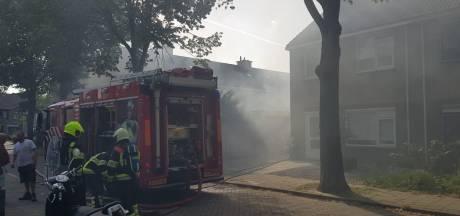 Veel rook door brand bij schuur in Ewijk