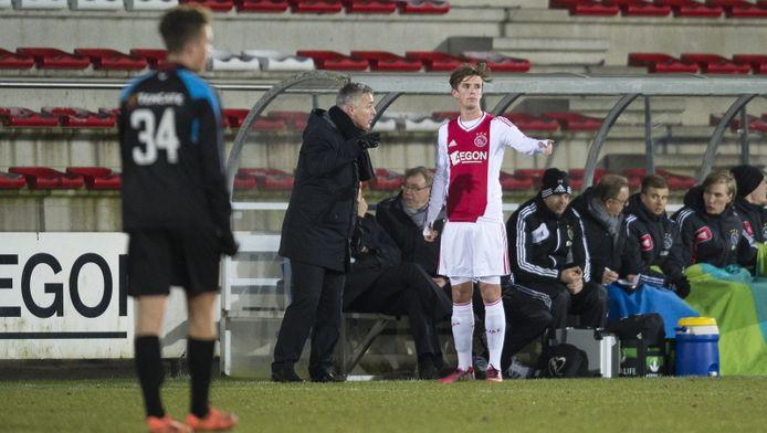 Jong Ajax in actie tegen Jong Heracles.