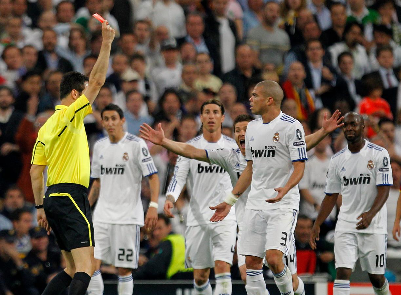Pepe kreeg in zijn carrière 13 keer rood.