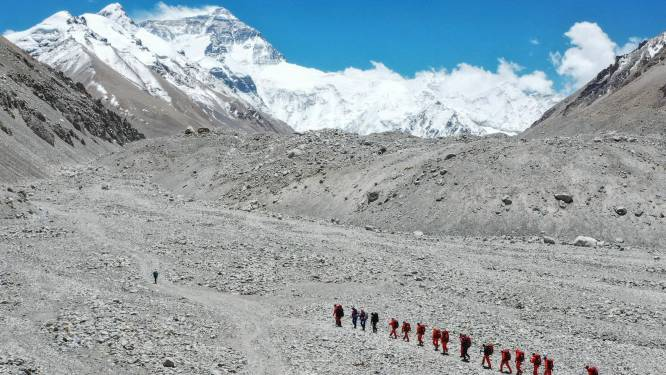 China schort expedities op Mount Everest op