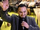 Procédure d'exclusion enclenchée contre le conseiller communal Ecolo qui a posé devant le drapeau des Loups gris