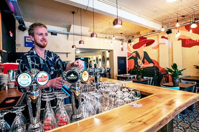 """Koen van der Doelen vertelt hoe er zeven maanden werd verbouwd, vandaag gaat Café Mimi open. ,,De huiskamer van het Wilhelminapark."""""""