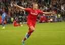 Erling Braut Håland scoorde dinsdagavond bij zijn debuut in de Champions League drie keer voor Salzburg tegen KRC Genk (6-2).