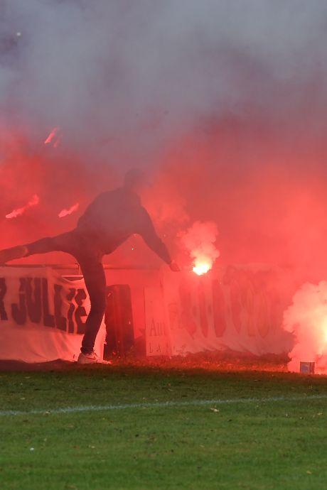 Puntenstraf en geldboete voor EGS'20 en Vitesse'08 na duel met 4 rode kaarten