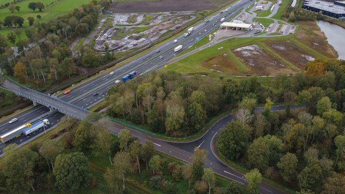 De A28. Op de snelweg stond dinsdagochtend urenlang file.
