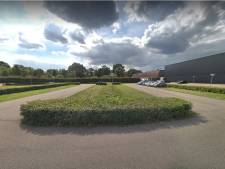 'Leg camperpark aan op leeg parkeerterrein achter Omnium in Goes'