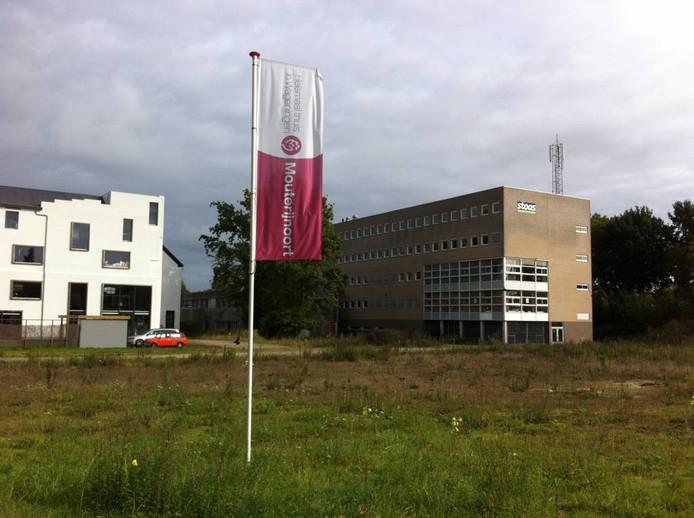 Het gebouw van Diedenoort (rechts).
