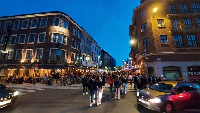 Het was zaterdag in Kortrijk onder meer zeer druk in de uitgaansbuurt in de Reynaertstraat