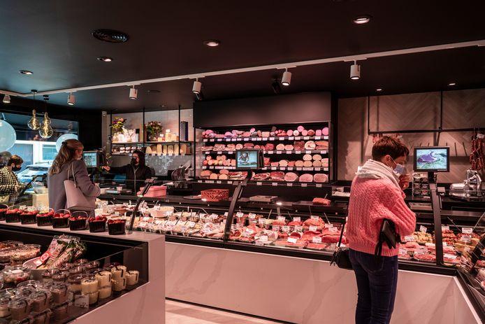 Met een nieuwe, grote toonbank is er nu veel meer plaats om de vleeswaren uit te stallen.