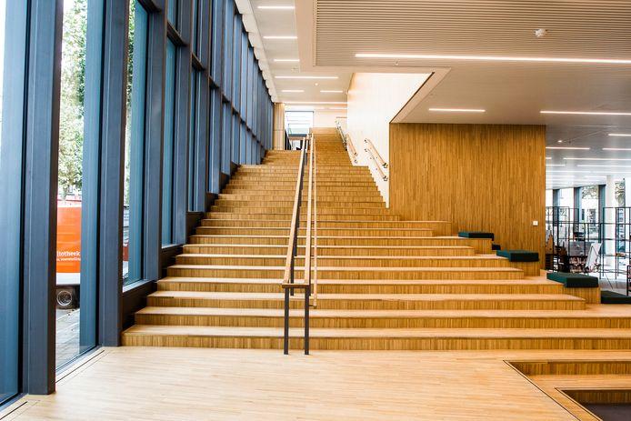 Beeld van de nieuwe bibliotheek aan de Stromarkt. Donderdag gaat de nieuwe cultuurvoorziening vanaf 14 uur open voor het publiek.