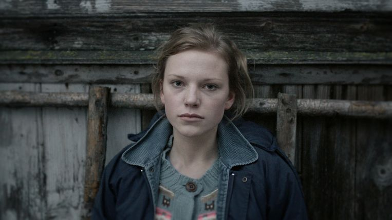 Elina Vaska als de 17-jarige Raya in Zachte Modder. Beeld