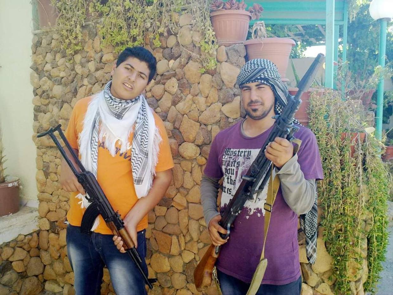 De volksopstand tegen dictator Kadhafi teert op tienerrebellen zoals Mohammed en Ali. Beeld rv