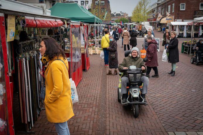 De Donderdagmarkt in Elst is weer volledig open
