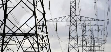 Petitie tegen stroomkabel Schiermonnikoog overhandigd in Den Haag