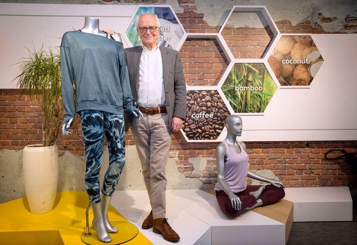Directeur Reg Nelemans in de showroom van FashionPower in Zundert.