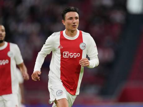 Berghuis blij met warm ontvangst door Ajax-fans: 'Het viel zeker niet tegen'