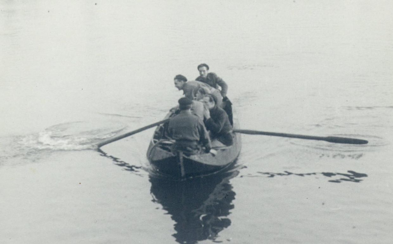 Warner Pap roeide op 17-jarige leeftijd Canadese soldaten naar Kampen aan de overkant van de IJssel. Daarmee was de bevrijding van de stad een feit, de Duitsers waren al vertrokken.