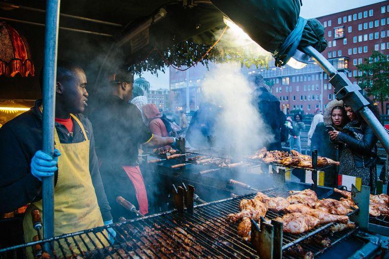 Pittig rookwolkje? Dan sta je vast dichtbij Jamaican Food. Beeld Marjolein van der Klaauw