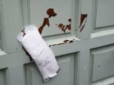 Veenendaler (26) plakte maandverband op deur van moskee (en pleegde elf andere strafbare feiten)
