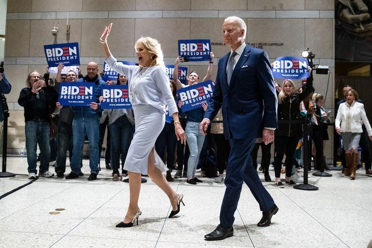 Het echtpaar Biden op campagne in Philadelphia, maart 2020. Beeld AP