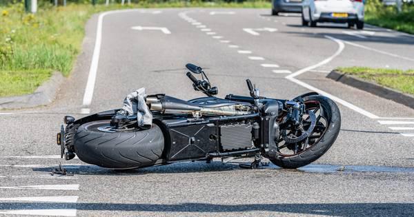 Motorrijder gewond na aanrijding met auto in Hilvarenbeek.