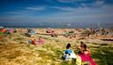 Op warme dagen ligt het strandje van Sint-Annaland vol.