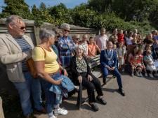 Eeuwelingenbank op het Kloosterplein in Valkenswaard: 'Een prima plek'