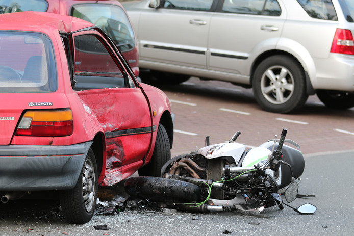 De auto raakte total loss na de aanrijding