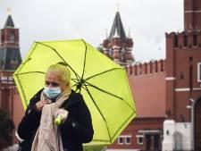 """Moscou va vacciner massivement dans les prochains mois: """"Ce sera la victoire finale sur la pandémie"""""""