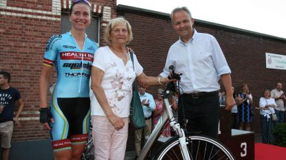 Wielerwedstrijd levert Christianne nieuwe fiets op