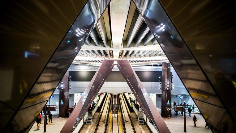 Bezoekers tijdens een open dag van de Noord/Zuidlijn op het metrostation van Amsterdam Centraal Beeld anp