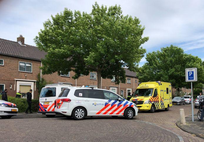 De politie rukte massaal uit naar de Gerrit van Dalenstraat in Papendrecht.