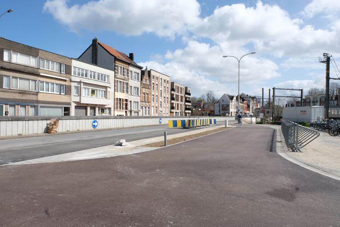 De nieuwe kiss-and-ride zone aan het Lierse station.