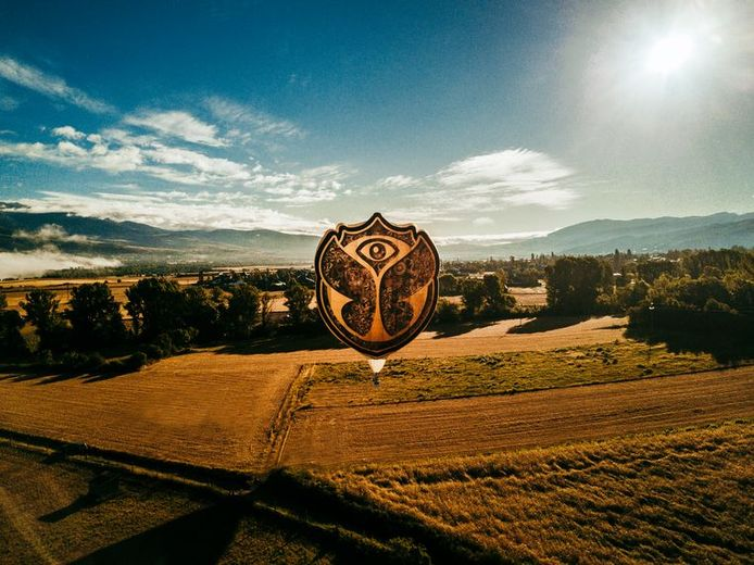 Luchtballon Tomorrowland (Zephyr), One World Radio.