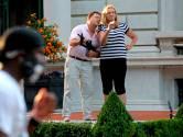 Amerikaans paar dat wapens richtte op BLM-betogers bekent schuld: 'Ik zou het zo weer doen'