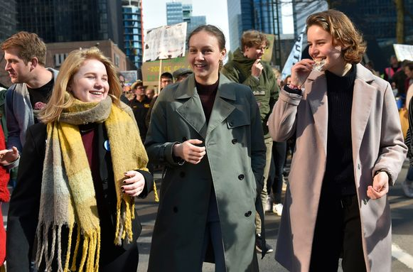 Youth for Climate-bezielers Kyra Gantois, Adélaïde Charlier en Anuna De Wever.