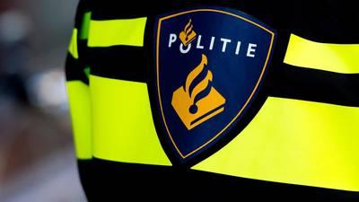 Groepje jongeren slaat, schopt en berooft twee tieners in Breda