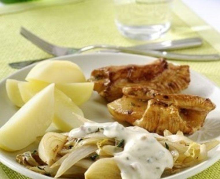geroerbakte-witlof-met-tijm-ham-kaassaus-en-ananas-vleesrolletjes.jpg