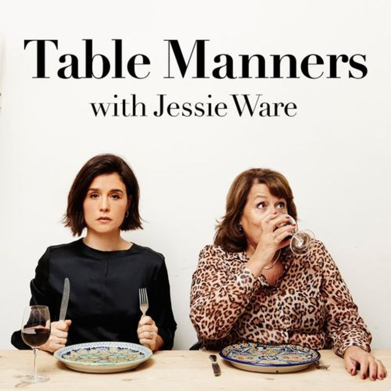Table Manners-gastvrouwen Jessie Ware en haar moeder Lennie. Beeld