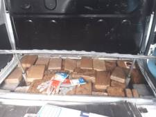 Politie vindt ruim 100 kilo cocaïne in verborgen ruimte bestelbus