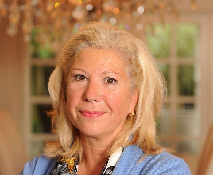 Wilma Verver en haar man Gerard hebben nog een lange weg te gaan om uit de schulden te komen. Wilma Verver was burgemeester van Schiedam, maar stapte in 2011 op voordat er een vernietigend integriteitsrapport over haar verscheen.